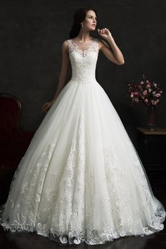 2016 Lace Applique A-line Wedding Dresses Illusion Buttons Back Sleeveless Elegant Bridal Gowns