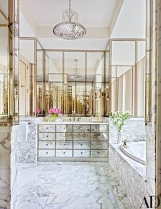 See What This Georgetown Apartment Looked Like Before and After Its Transformation Georgetown Apartment, Decor Interior Design, Interior Decorating, Decorating Ideas, Ideas Baños, Decor Ideas, Tile Ideas, Romantic Room, Architectural Digest
