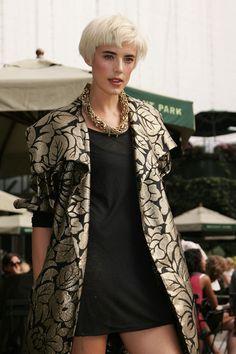 Agyness Deyn Gold Chain - Agyness Deyn Looks - StyleBistro