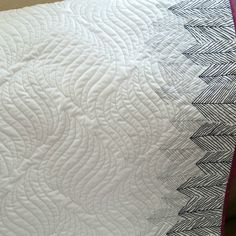Fluid texture from edge-to-edge quilting by Mountain Quiltworks