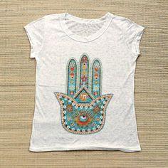 Camisetas fresquinhas estampas étnicas e simbólicas.  Por apenas R$ 3990  Saiba mais e conheça todas as estampas pelo nosso Whatsapp: 13982166299