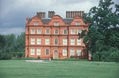 Fig.9: Kew Palace, Surrey. Effect of two coats of ruddle as completed on the exterior façades, Summer 1998.