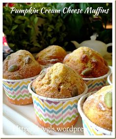 Pumpkin Cream Cheese Muffins (金瓜奶酪小松饼)