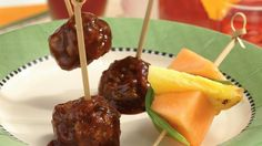 Four Kitchen Decorating Suggestions Which Can Be Cheap And Simple To Carry Out Come Home To These Delicious Asian-Style Meatballs That Are Slow-Cooked With Three Types Of Sauce Perfect For Appetizer. Slow Cooker Recipes, Crockpot Recipes, Freezer Recipes, Hamburger Recipes, Family Recipes, Healthy Recipes, Asian Meatballs, Tasty Meatballs, Crock Pot Cooking