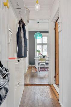 (1) FINN – GAMLEBYEN: Flott, lys og klassisk 3-roms m/soverom mot bakgård. Kjøkken fra 2008. Peisovn. God takhøyde (3 meter). Oslo, Real Estate, Places, Closet, Home Decor, Modern, Rome, Armoire, Decoration Home