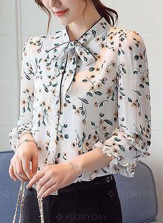 Blusas Floral Informal de Chiffon Manga - Blouses for women Blouse And Skirt, Blouse Dress, Casual Dresses, Fashion Dresses, Sewing Blouses, Blouse Designs, Blouses For Women, Fashion Design, Clothes