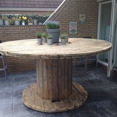Wooden cable spool table - diy - bartafel van houten kabelhaspel