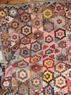 Hand Stitched Quilt from 1840 (eBay seller tgkgardner)