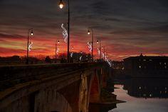 Illuminations sur le Pont Neuf à #Toulouse © P. Nin - Ville de Toulouse #visiteztoulouse