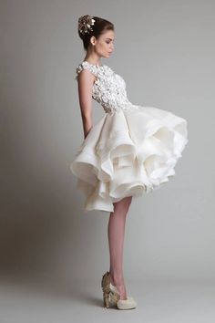 5 Timeless Wedding #Dresses from Krikor Jabotian. To see more wedding fashion trends: www.modwedding.com