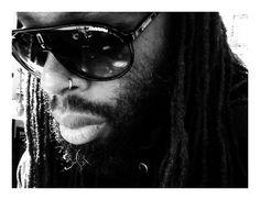 Just me! #chiqlefrique #hair #black #sunglasses