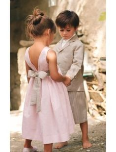 alter the back of the flowergirl dress to look like THIS ONE.