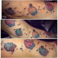 Piccoli tatuaggi a colori