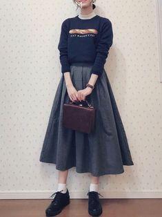 ファッション ファッション in 2020 Cute Fashion, Modest Fashion, Skirt Fashion, Fashion Dresses, Korean Outfits, Mode Outfits, Retro Outfits, Japanese Fashion, Asian Fashion