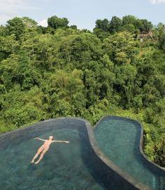 5 Decadent Hotel Swimming Pools