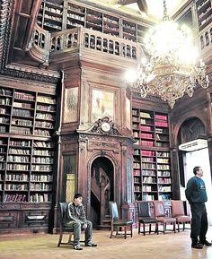 Interior de la biblioteca de la Legislatura Porteña, Buenos Aires