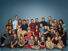 TLC has pulled the plug on the hit reality show Kids and Counting' after Josh Duggar's admits to child molestation allegations. Famille Duggar, Josh Duggar, Duggar Family Blog, 21 Juni, Dugger Family, 19 Kids And Counting, Counting Stars, Thing 1
