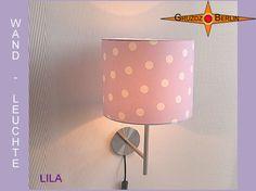 Wandleuchte LILA Ø 25 cm Wandlampe Fliederfarben. Wandlampe LILA ist ideal fürs Kinderzimmer. Weiße Punkte auf hellem, pastellfarbenem Violett.