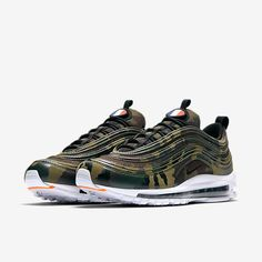 "super popular e884f 28cc5 This camo colorway, from the ""Country Camo Pack"" is yet another sleek  version of the Nike Air Max Decked out in a camo all-over print upper,  classic ..."