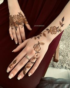 hands mehndi design for weeding Henna Hand Designs, Mehandi Designs, Pretty Henna Designs, Modern Henna Designs, Henna Tattoo Designs Simple, Mehndi Designs Finger, Floral Henna Designs, Arabic Henna Designs, Stylish Mehndi Designs