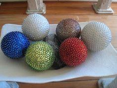 Artesanatos de Arminda Freitas: Bolas de isopor com miçangas