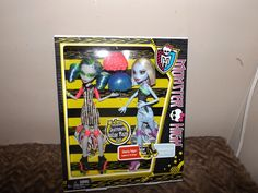 new Mattel Monster High Ghoulia Yelps Abbey Bominable exclusive roller maze pack