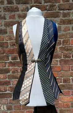 Upcycling ideas from old clothes - real ties stylish and creative recycling, # Check more at . - Upcycling ideas from old clothes – real ties stylish and creative recycling Source by - Mode Steampunk, Steampunk Costume, Steampunk Fashion, Steampunk Vest, Old Ties, Old Neck Ties, Diy Kleidung, Diy Vetement, Old Clothes