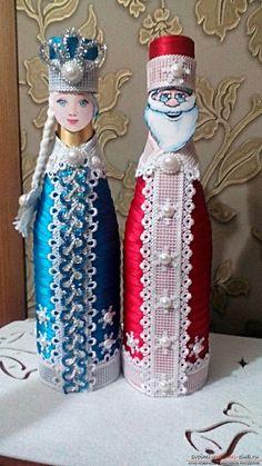 96704204fe1bb34fb0e257ae01d8208e Wine Bottle Gift, Wine Bottle Crafts, Bottle Art, Painted Wine Bottles, Glass Bottles, Wedding Wine Bottles, Bottle Painting, Pottery Vase, Wedding Gifts