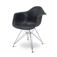 <p></p><br /> <p>Die Eames DAR Nachbildung ist ein <strong>musthave.</strong></p><br /> <p>Die Sitzschale mit Armlehne ist der ideale Stuhl für Ihren Wohnraum. Das Gestell ist aus Edelstahl gefertigt.</p><br /> <p><strong>Bestellen Sie noch Heute!</strong></p>