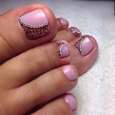 Pedicure Designs, Pedicure Nail Art, Toe Nail Designs, Toe Nail Art, Mani Pedi, Pretty Toe Nails, Pretty Toes, Love Nails, Purple And Pink Nails