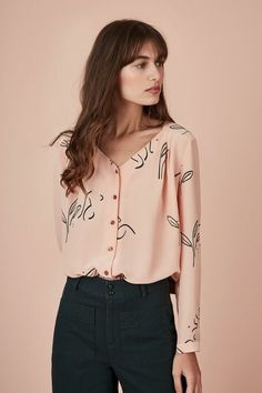 Look Fashion, Korean Fashion, Blouse Ample, Chic Outfits, Fashion Outfits, Mode Shop, Pulls, Blouse Designs, Dress To Impress