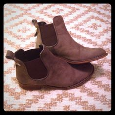 Steve Madden Leather Ankle Boots Brown leather flat ankle boots. Elastic on the sides as shown. Cute brass button detail on the back. The soles show some wear, but lots of life left in these awesome boots! Perfect with a flowy dress, you need these! Steve Madden Shoes Ankle Boots & Booties