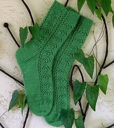 Ravelry: Summer Ivy Socks pattern by Angela Ho