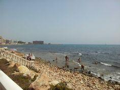 Cala del Palangre, Torrevieja. Al fondo, la playa de Los Locos.