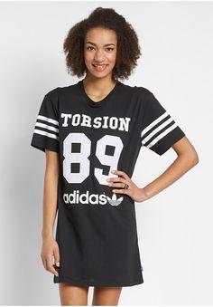 http://www.fashionandfriends.com/de/damen/bekleidung/kleider/freizeitkleider/224561-adidas-torsion-89-dress