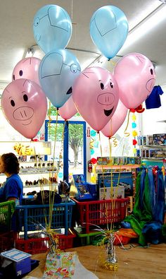 Elephant and Piggie Balloons - Would be PERFECT for an Elephant and Piggie party!