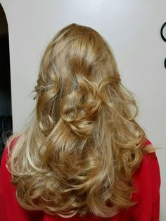 Another example of beautifully curly hair created using the healthy alternative in hair curling, Sweet Roll Hair Styler! Roll Hairstyle, Curled Hairstyles, Hair Styler, Healthy Alternatives, Style Me, Curls, Long Hair Styles, Curly Hair, Sweet