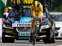 Meaning he finished the stage in style. Chris Froome, Pro Cycling, Road Bikes, Road Racing, Great Pictures, Nhl, Stage, Bicycle, David