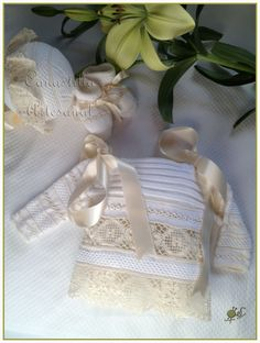 CANASTILLA ARTESANAL: CATALOGO DE MODELOS Knitting For Kids, Crochet For Kids, Baby Knitting, Knit Crochet, Baby Princess, Baby Socks, Baby Wearing, Crochet Projects, Little Girls