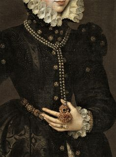 "Antonis Mor detail ""Portrait of a Court Lady"". 16th Century Clothing, Renaissance Kunst, Historical Art, Victorian Art, Old Paintings, Portraits, Classical Art, Tudor, Fashion History"