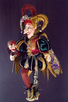 Gorgeous hand made marionette. Joker Playing Card, Joker Card, Marionette Puppet, Puppets, Joker Queen, Joker Kunst, Jester Costume, Court Jester, Punch And Judy