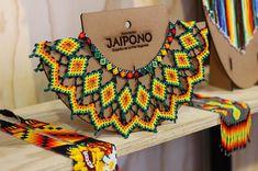 #expoartesano2019 #expoartesano  #Asociaciónjaipono #artembera #indigenous #Etnias #Artesanías #Handicrafts #HechoaMano #Colombia #OrgulloArtesanal #SomosColombia #AmorporloNuestro #ArtesaníasdeColombia #pereira #risaralda #necklaces #etsy #indigenous  #medellín #jaipono Bead Loom Designs, Bead Loom Patterns, Beading Patterns, Seed Bead Jewelry, Bead Jewellery, Beaded Jewelry, Diy Necklace Patterns, Jewelry Patterns, African Jewelry