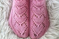 Ravelry: Maariat pattern by Niina Laitinen Knitting Socks, Free Knitting, Knitting Patterns, Crochet Patterns, Knit Socks, Knitting Ideas, Cool Socks, New Pins, Mittens