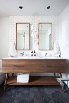 mid-century modern bathroom