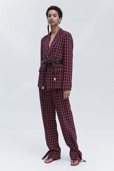 See the complete 3.1 Phillip Lim Resort 2018 collection.