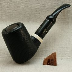 Black Pot, oak pipe mod powered by one 18350 cell. Rustic Light Fixtures, Rustic Lighting, Vape Pipe, Rustic Baby, Modern Rustic, Vintage Accessories, Rustic Decor, Smoking Pipes, Handmade
