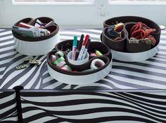 Tidiness is a must! Order the Desk Trays designed by Lukas Scherrer for your workplace.  Ordnung muss sein! Bestellen Sie die von Lukas Scherrer entworfenen Desk Trays für Ihren Arbeitsplatz Store, Office Workspace, Business