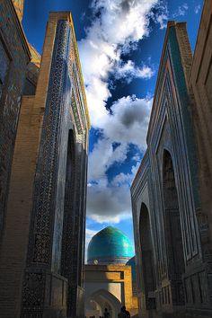 Shah-i-Zinda . Samarkand Uzbekistan
