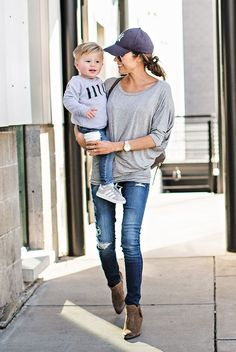 Light blue dolman top – ily couture cooler look, casual mom outfits, sporty chic Look Fashion, Kids Fashion, Autumn Fashion, Mommy Fashion, Jeans Fashion, Hello Fashion Blog, Fashion Check, Trendy Fashion, Estilo Joanna Gaines