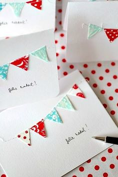 How to Create a Banner Birthday Card - DIY Bunting Card - The Inspiration Party by MariaPalito Everything to inspire your party Diy Bunting Card, Mini Bunting, Fabric Bunting, Cute Cards, Diy Cards, Tarjetas Diy, Creative Cards, Scrapbook Cards, Scrapbook Photos